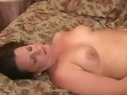 Guy cums on belly of pregnant chick